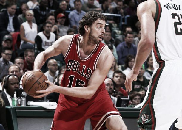 Chicago Bulls massacra Milwaukee Bucks e se classifica às semifinais da Conferência Leste