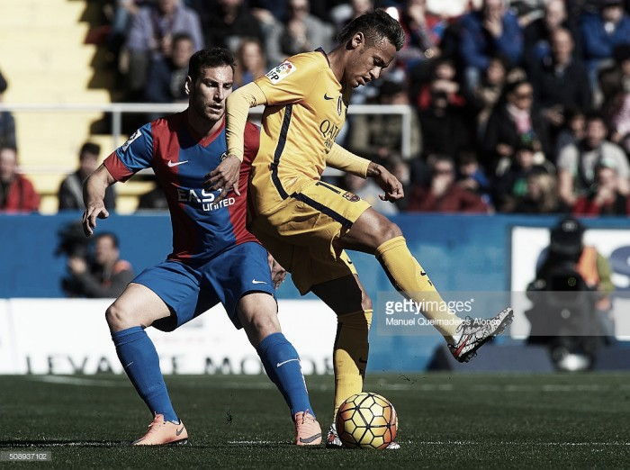 Liga BBVA: Barcelona vence no campo do Levante e isola-se na frente