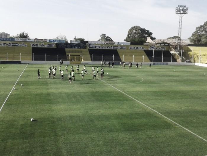 Práctica en el estadio y equipo confirmado