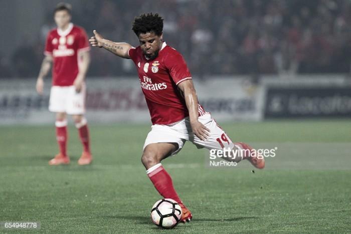 Benfica: Eliseu renova por mais uma época