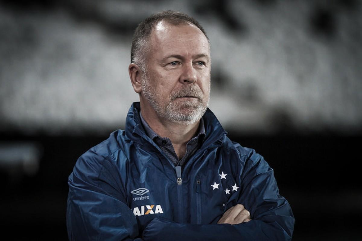"""Após empate, Mano Menezes identifica dificuldades no Cruzeiro: """"Entramos desatentos"""""""