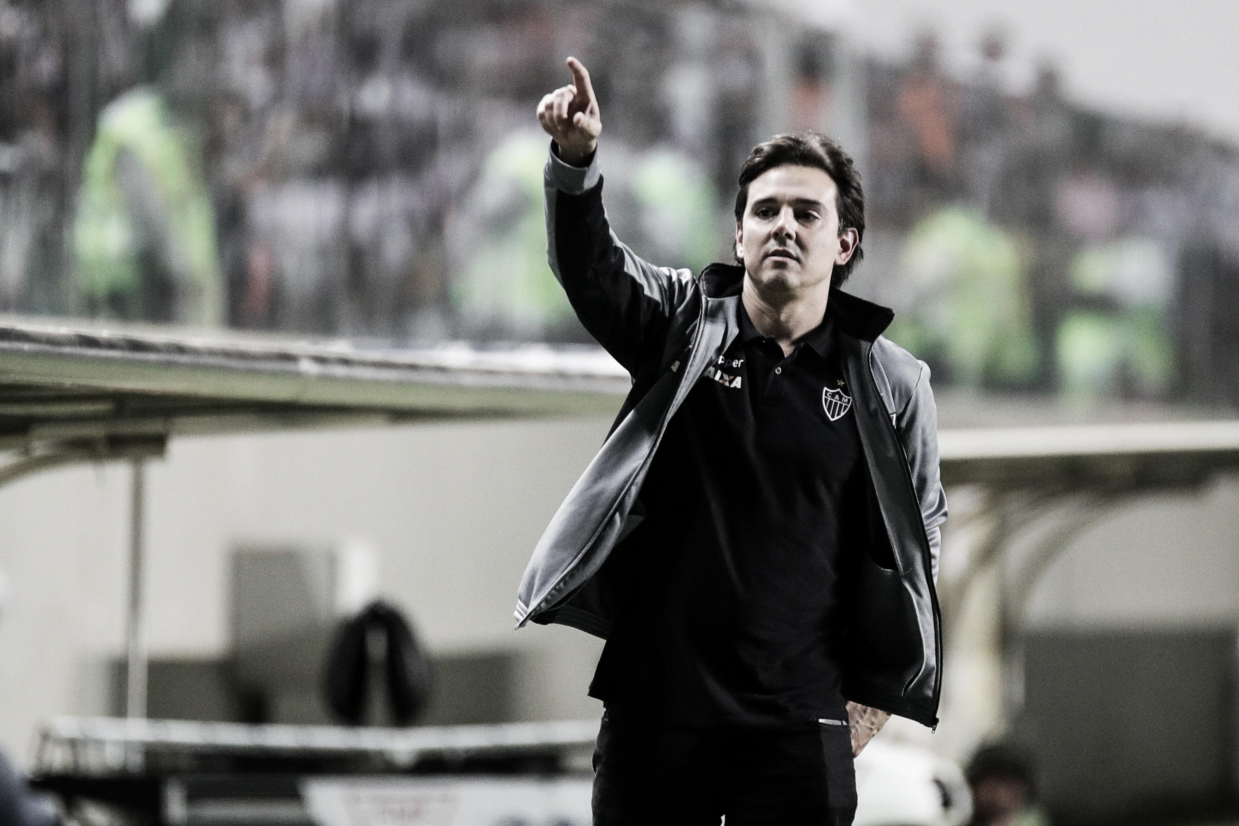 Thiago Larghi destaca 'empenho dos jogadores' na vitória do Atlético-MG