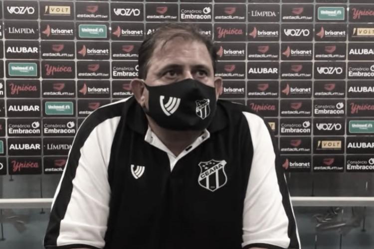 Guto Ferreira celebra classificação do Ceará, mas revela incômodo com desempenho
