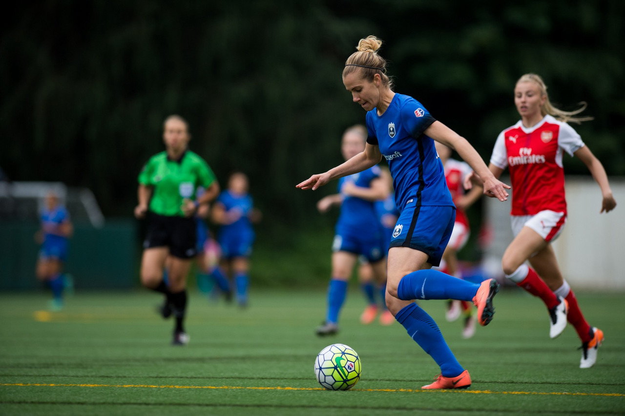 Beverly Yanez re-signs with Seattle Reign FC