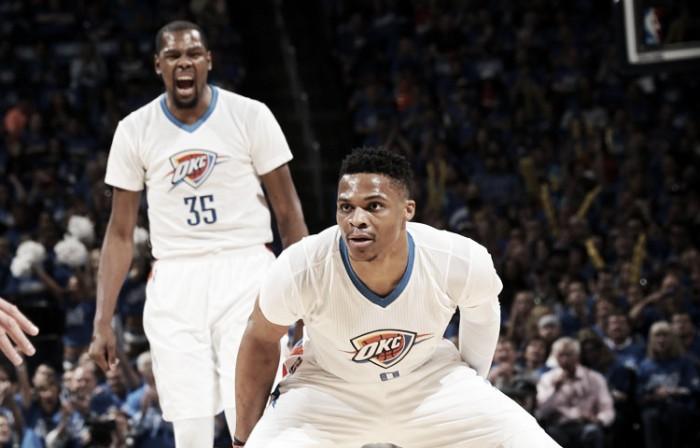 San Antonio tiene rival: Oklahoma acabó con Dallas