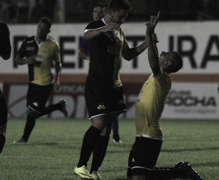 """Jheimy marca em reestreia, evita revés do Criciúma, mas reitera: """"Não foi bom resultado"""""""