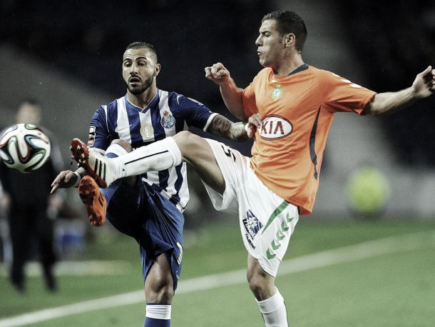 FC Porto mascarado de esperança defronta aflito Vitória de Setúbal