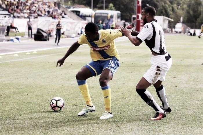 Arouca empata sem gols com Heracles Almelo e avança aos playoffs da Europa League