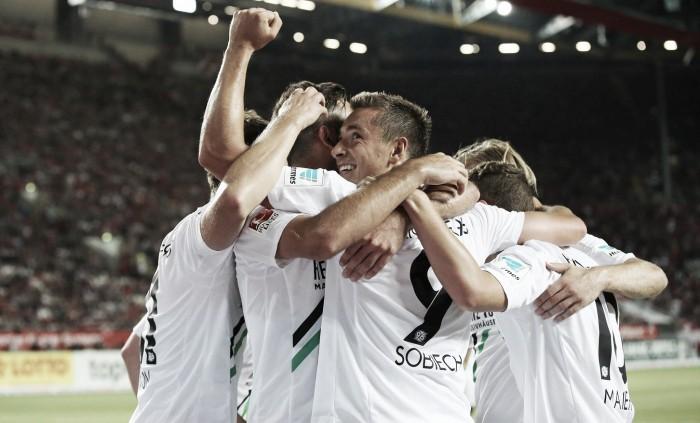 Sobiech marca dois e Hannover goleia o Kaiserslautern fora de casa na abertura da 2. Bundesliga