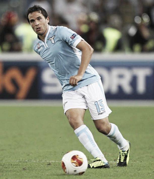 Álvaro González cuatro semanas sin fútbol por lesión