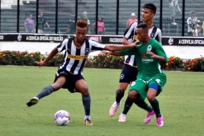 Entrevista. Campeão brasileiro Sub-20, Mauro Gabriel espera oportunidades no time profissional do Botafogo