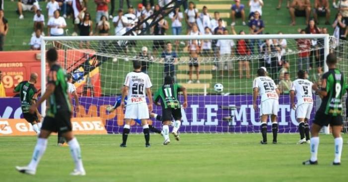 Buscando subir na tabela, América-MG e Corinthians se enfrentam pelo Brasileiro