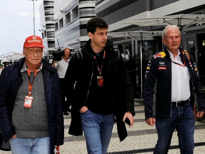 Ligação deToto Wolff da Mercedes para Jos Verstappen, intriga Helmut Marko