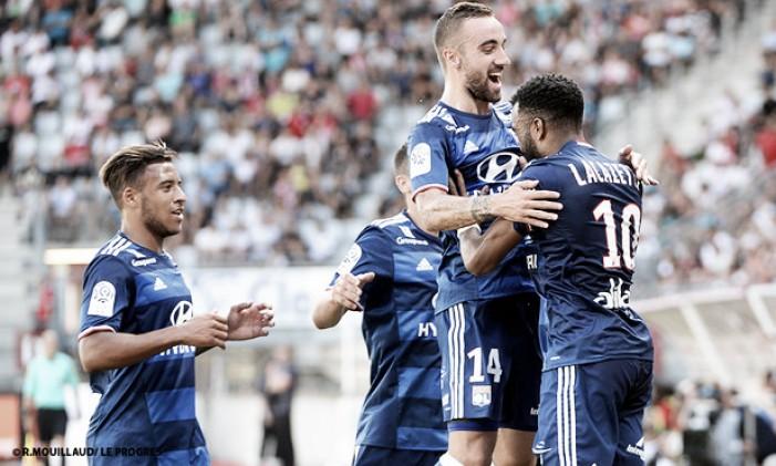 Lacazette faz hat-trick e Lyon estreia com vitória sobre Nancy