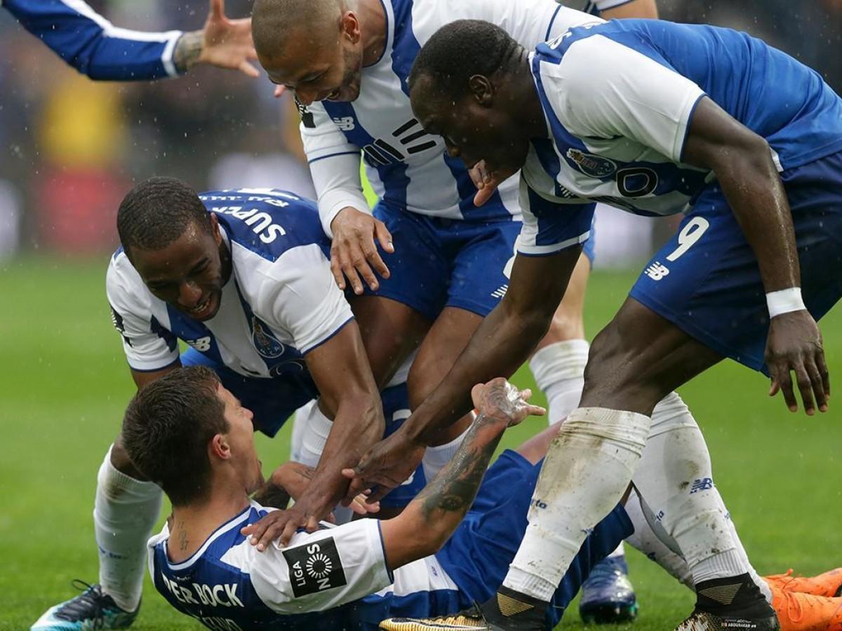 FC Porto resolve em 15 minutos