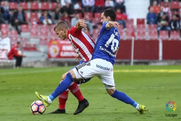 Un ordenado Real Oviedo se lleva un punto de Montilivi