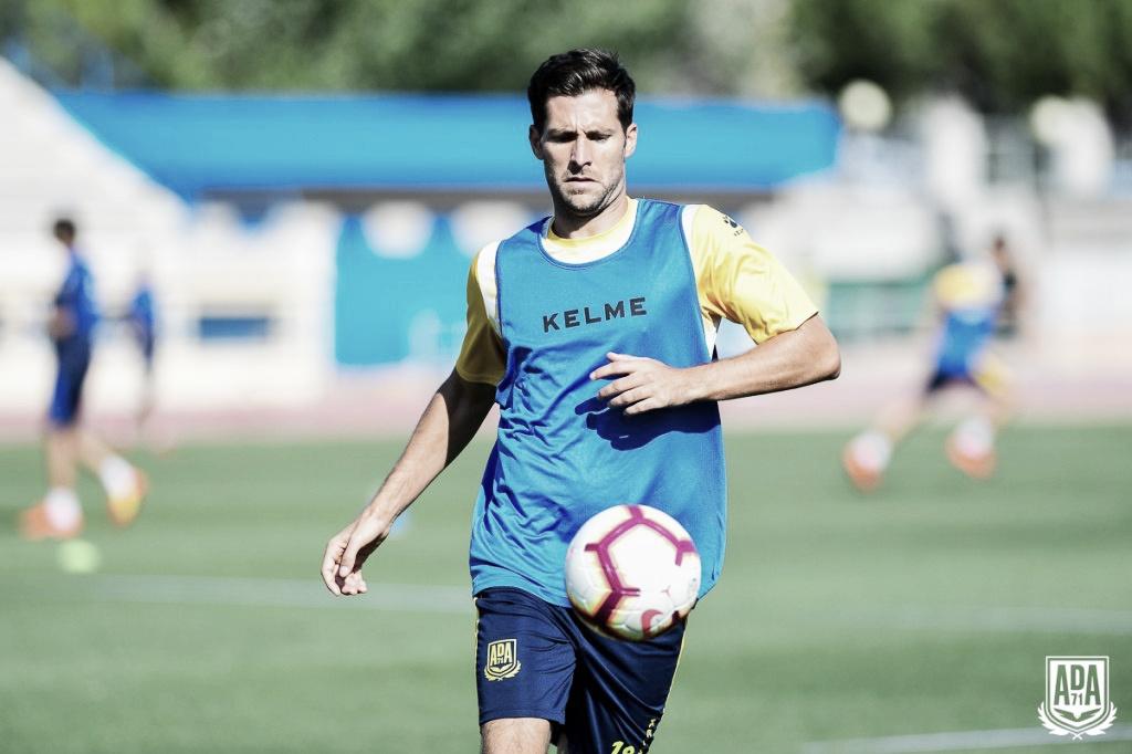 """David Fernández: """"En el vestuario, además de buenos jugadores hay grandes personas"""""""