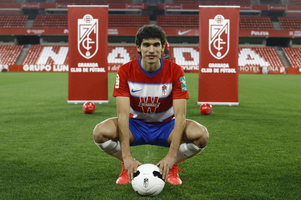 Jesús Vallejo continuará en el Granada CF