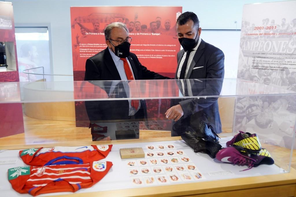 El Granada CF inaugura la exposición con la que conmemora su 90 aniversario