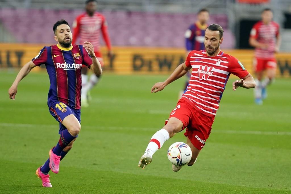 El Granada CF puntúa por primera vez en el Camp Nou