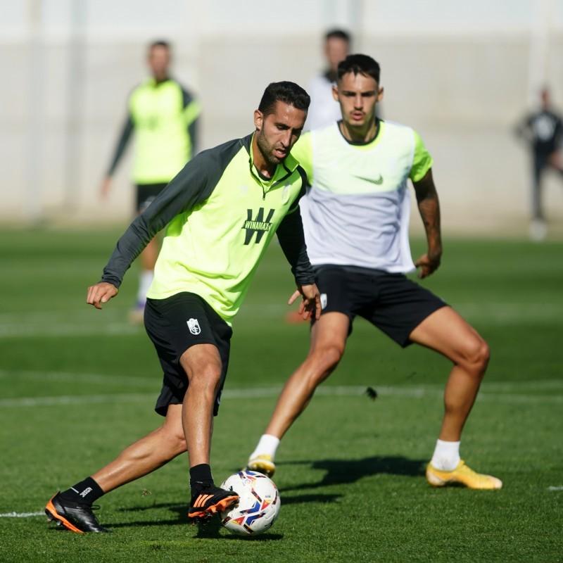 Montoro durante un entrenamiento. Foto: Pepe Villoslada / Granada CF.