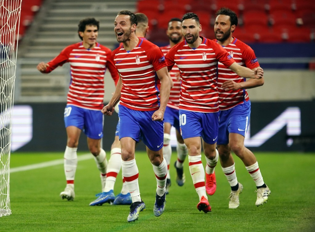 El futuro de nueve jugadores del Granada CF, en el aire
