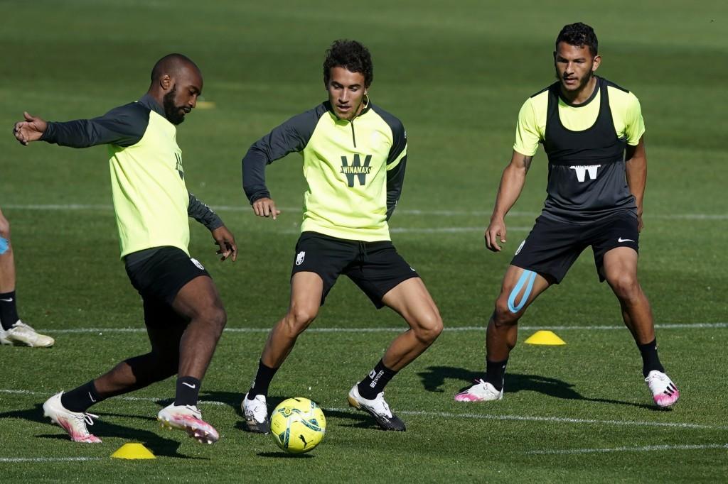 El Granada CF continúa los entrenamientos sin cinco internacionales