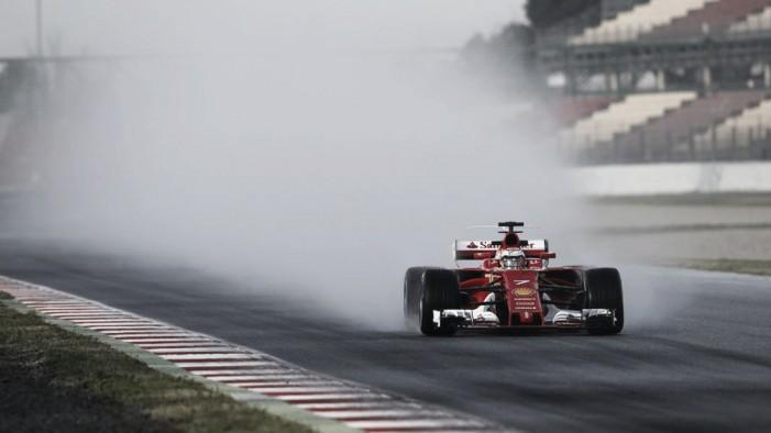 Com pista molhada artificialmente, Kimi Raikkonen lidera quarto dia de testes em Barcelona