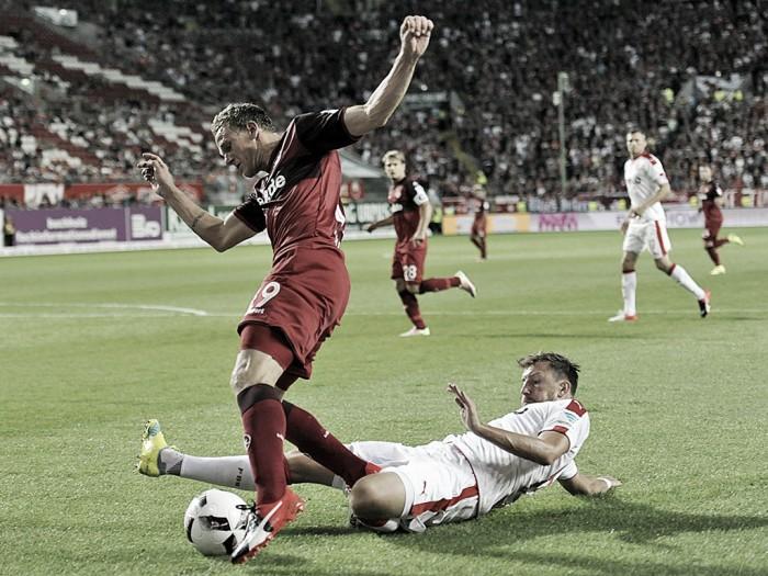 Em duelo movimentado Kaiserslautern e Düsseldorf empatam sem gols na 2. Bundesliga