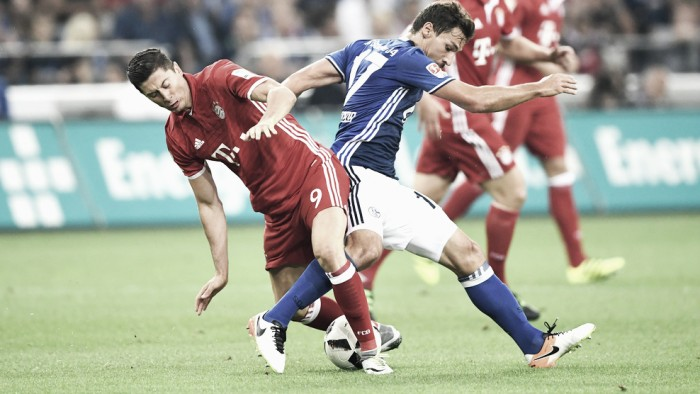 Bayern marca no fim e derrota o Schalke 04 fora de casa pela Bundesliga