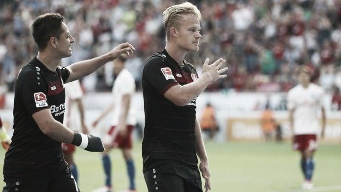 Pohjanpalo entra no segundo tempo, marca hat-trick e Leverkusen vence Hamburgo de virada