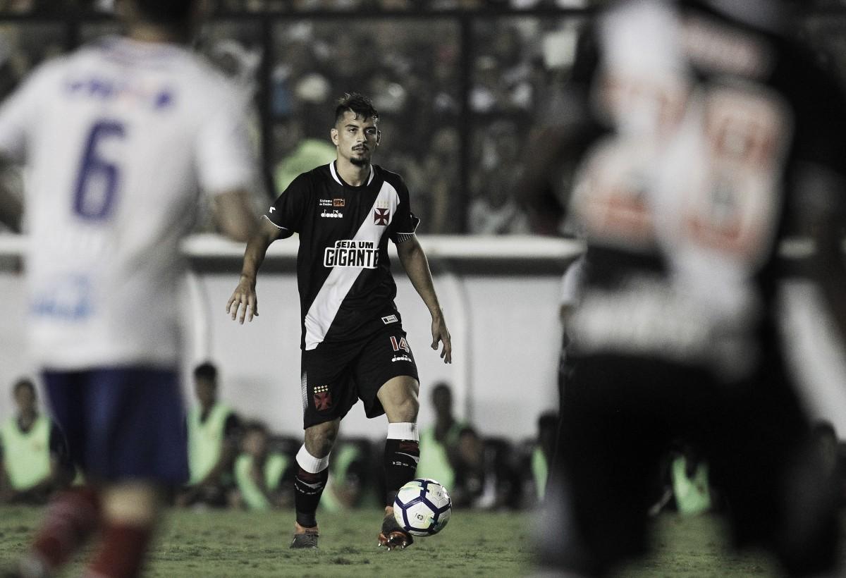"""Zagueiro Ricardo Graça elogia torcida do Vasco após jogo contra o Bahia: """"Foi de arrepiar"""""""