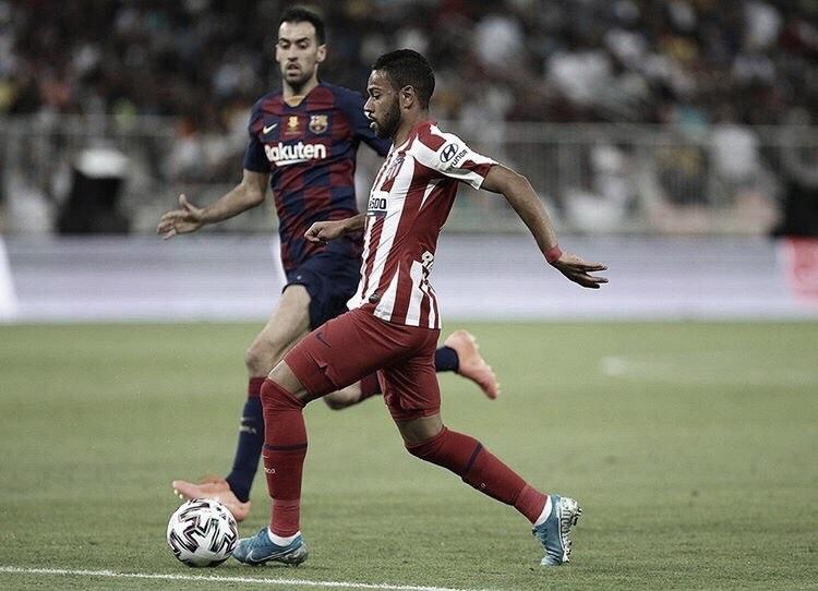 Na cola do líder, Barcelona tenta reabilitação no Espanhol diante do Atlético de Madrid