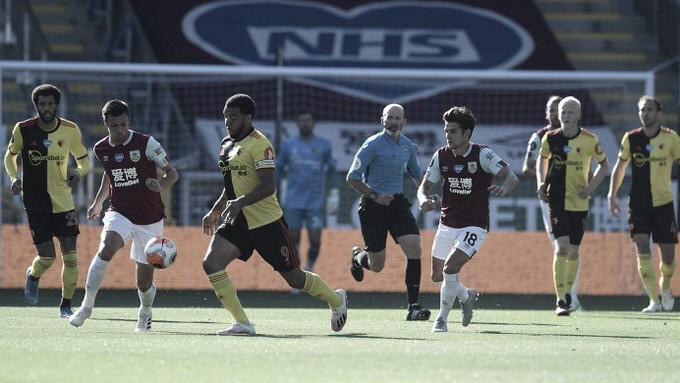 Burnley se recupera na Premier League e vence jogo equilibrado contra Watford