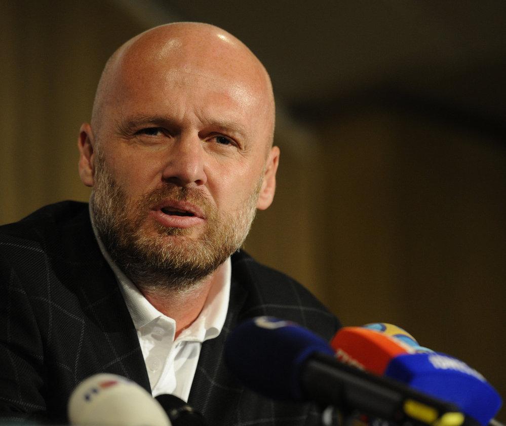 Bilek destaca el acierto de los cambios para controlar el partido