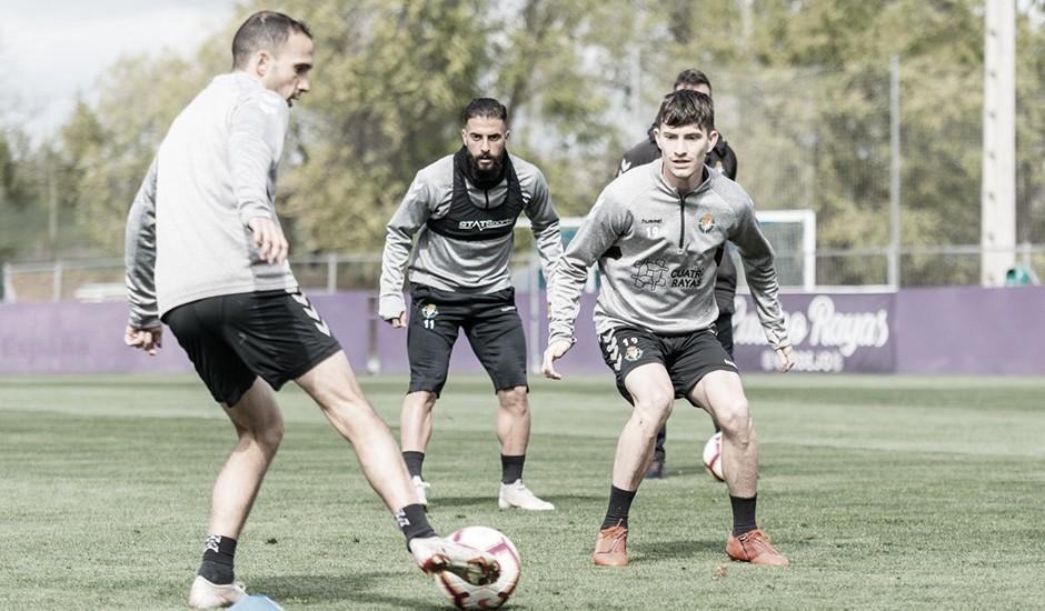 Toni Villa vuelve a los entrenamientos y Moyano habla de la situación límite actual