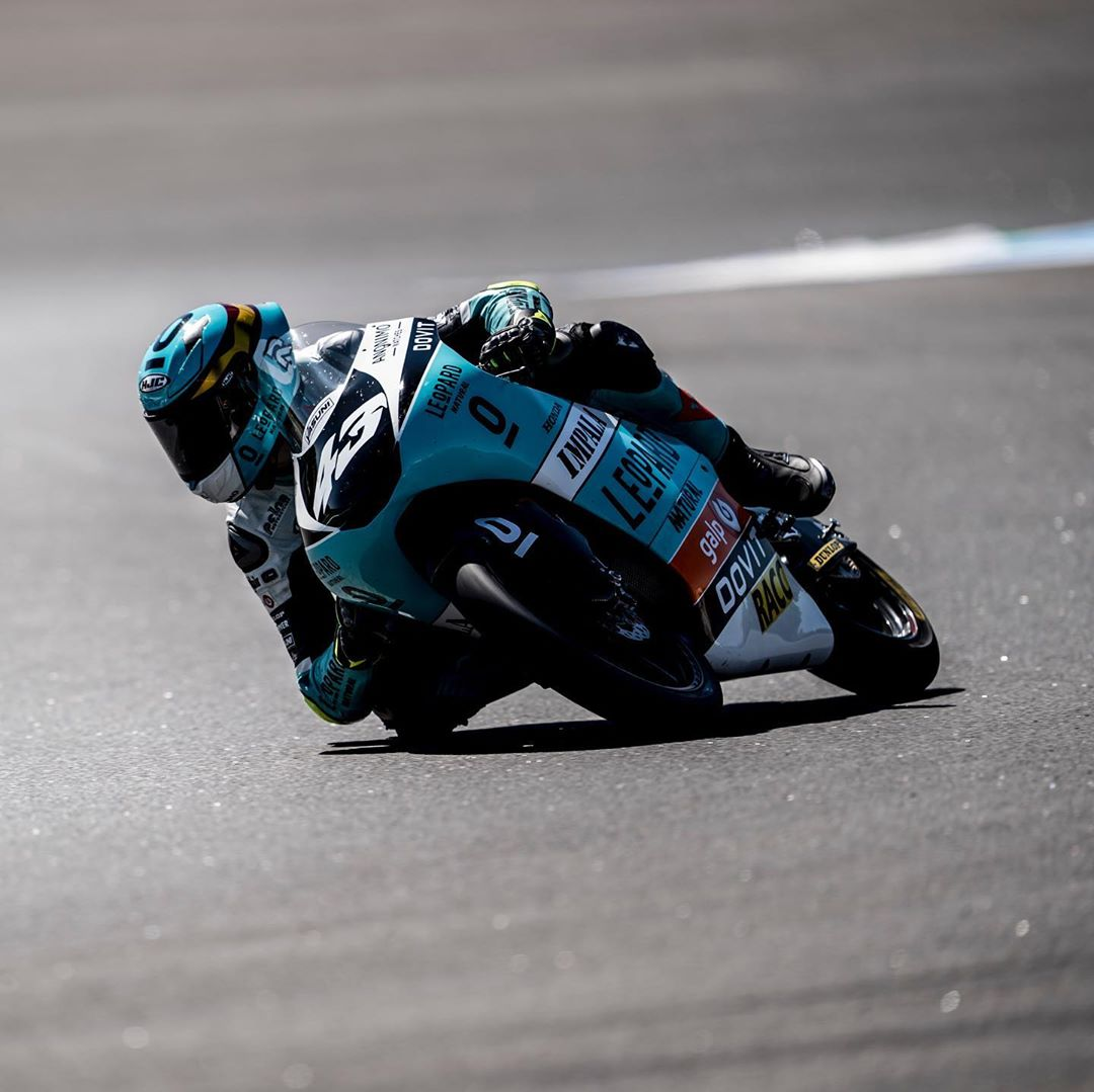 Moto3: Artigas gana a Acosta por photo finish en Estoril