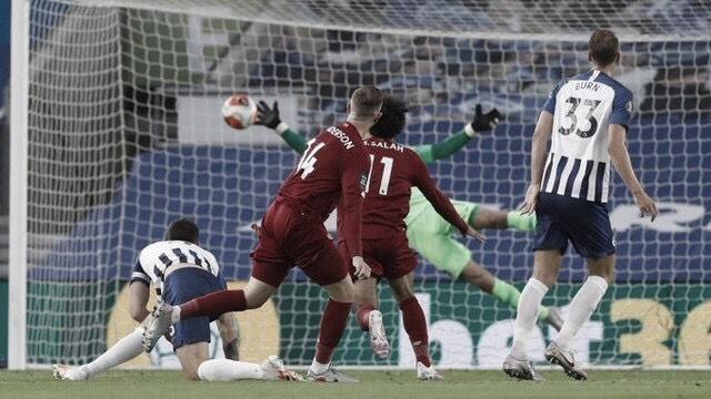 Salah brilha, Liverpool supera Brighton e conquista 30ª vitória na Premier League
