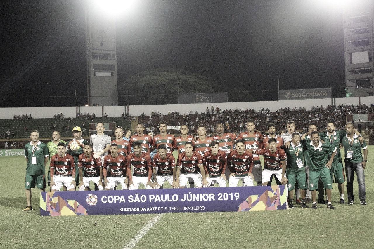 Portuguesa empata com Paraná e garante liderança do Grupo 32