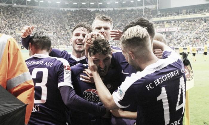 Aue é eficiente e derrota Dynamo Dresden no Sachsen-Derby