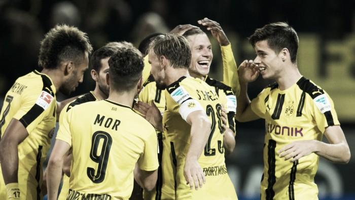 Borussia Dortmund leva a melhor e bate Freiburg em duelo truncado