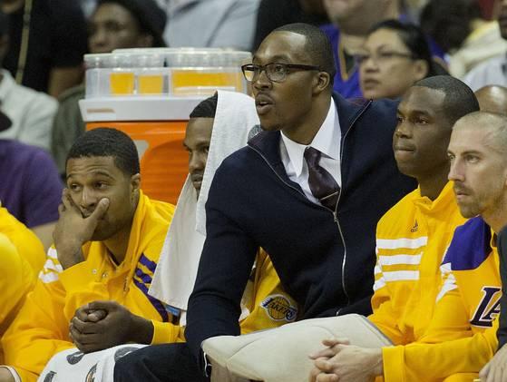 Howard podría debutar este domingo con los Lakers