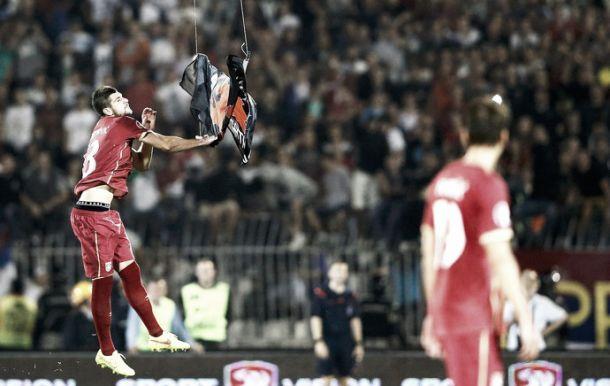 UEFA retira 3 pontos a Albânia e Sérvia