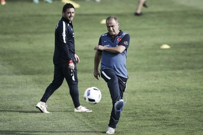 """Euro 2016, la Turchia all'esame di scacchi, Terim ci crede: """"Battere la Croazia per puntare agli ottavi"""""""
