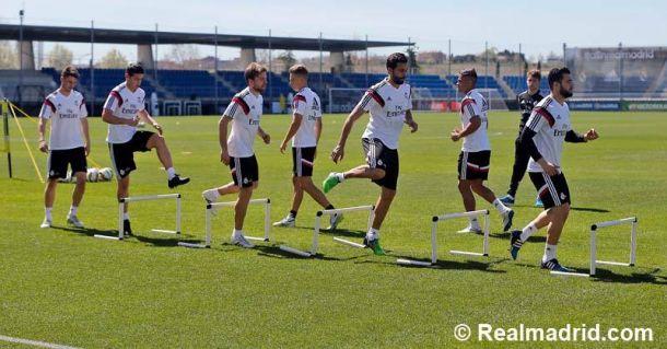 Bale se incorpora al primer entrenamiento de la semana