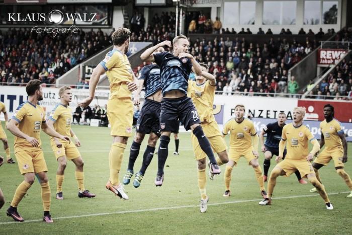 Braunschweig arranca empate do Heidenheim e segue líder da 2.Bundesliga
