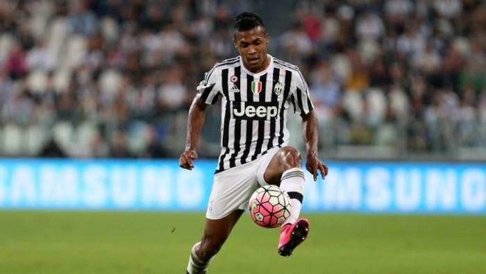 """Juve, Alex Sandro ha le idee chiare: """"Chi viene qui lotta per vincere tutto"""""""
