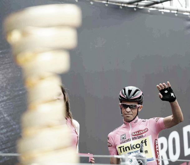 Alberto Contador saca el rodillo