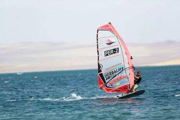 Nicolás Schreier se lleva la etapa de Paracas
