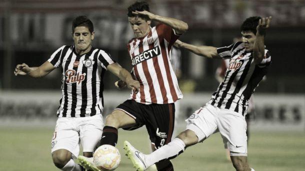 Resultado Estudiantes de La Plata - Libertad por la Copa Libertadores 2015  (1-0)